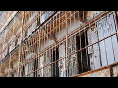 Really mesmerizing and interesting short film...give it a few minutes...SHAWSHANK REDEMPTION ( filming location video ) Tim Robbins Morgan Freeman