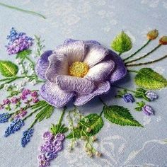 Getting to Know Brazilian Embroidery - Embroidery Patterns Types Of Embroidery, Embroidery Needles, Silk Ribbon Embroidery, Crewel Embroidery, Cross Stitch Embroidery, Embroidery Patterns, Russian Embroidery, Flower Embroidery, L'art Du Ruban