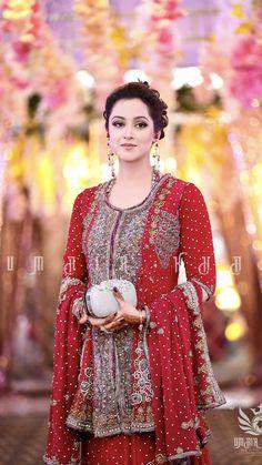 Pakistani Wedding Outfits, Pakistani Dresses, Indian Dresses, Pakistani Clothing, Pakistani Couture, Pakistani Dress Design, Indian Fashion Trends, Fashion Ideas, Shadi Dresses
