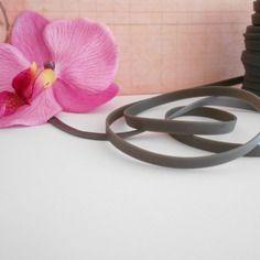 1 mètre de lanière caoutchouc plat couleur gris 6 mm