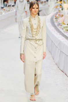 Chanel Pre-Fall 2012 Fashion Show - Sara Blomqvist