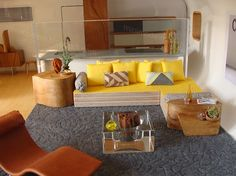 Miniature Modern - I love this!  I would love to see more Mid-Century Modern miniatures, wouldn't you?
