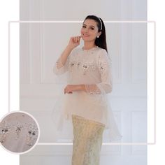 TOP0651 (bw)⛔️SOLD OUT⛔️ Bust 96cm Sleeve 50cm Length 67/84cm Fully Lined Skirt by request ------- For more details and price please contact us :) LINE : @eiwaonline (with @) WA : +6289687171323 Web : www.eiwaonline.com ------- *Colors may appear slightly different due to lighting during photoshoot, pc/smartphone picture resolution, or individual monitor setting.