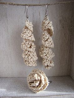 Last minute gifts - Crochet earrings and ring - free pattern via http://crochet.craftgossip.com/