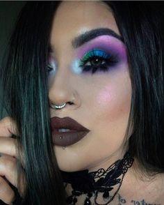 "462 Likes, 65 Comments - Makeup ARTist🎨 (@jess_avey) on Instagram: ""Full face today🖤. COMPLEXION@katvondbeauty Lock it featherweight primer• lock it foundation medium…"""