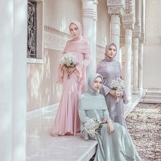 Instagram images from hamidah rachmayanti(@hamidahrachmayanti). 24yo🍂 wife @byhamidah  @hameeda.official  The face of @hijup @mdglowingskin  ✉️Email:aku@hamidaaah.com LINE:(@hamidahrachmayanti) +6282310627589(yusi) Kebaya Muslim, Kebaya Modern Hijab, Kebaya Hijab, Kebaya Dress, Bridal Party Color Schemes, Wedding Party Dresses, Bridesmaid Dresses, Hijab Dress Party, Muslim Brides