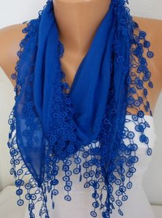love this designer roytel scarf would love to wear this with jeans and white long sleeve shirt!