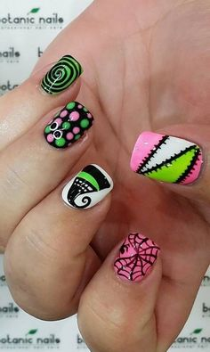 Rosa y verde latest nail art designs gallery nail designs for short nails 2019 essie nail stickers self adhesive nail stickers essie nail stickers Halloween Nail Designs, Halloween Nail Art, Creepy Halloween, Get Nails, Hair And Nails, Nail Art Designs, Zombie Nails, Skull Nails, Seasonal Nails