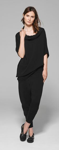 A unique brand in the world of fashion, Sarah Pacini speaks to women in search of a modern and timeless allure with style and substance. Stylish Outfits, Fashion Outfits, Womens Fashion, Fashion Tips, Sarah Pacini, Closet Ideas, Fashion Lookbook, Daily Wear, Fashion Watches