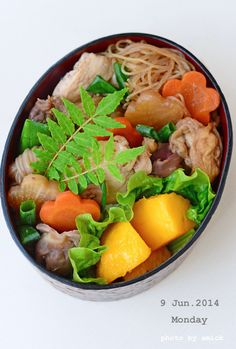 6月9日 月曜日 鶏すき丼 : おべんと綴り(おべんとつづり)
