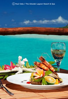 bars in rarotonga | aitutaki-lagoon-resort-spa-cook-islands-south-pacific-holiday-flying ...