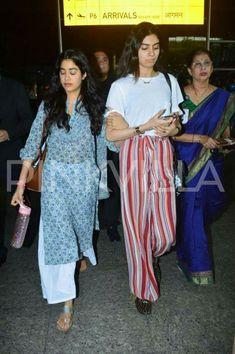 Jhanvi kapoor and Khushi kapoor after Sridevi ji condolence meeting Pakistani Dresses, Indian Dresses, Indian Outfits, Simple Outfits, Stylish Outfits, Fashion Outfits, Indian Attire, Indian Wear, Ethnic Fashion