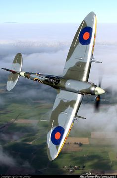 Supermarine Spitfire IX ZK-SPI