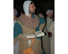 Un figurante, mastro cartaio, della Gaita San Giovanni