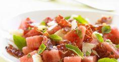 Salat mit Wassermelone und Bacon ist ein Rezept mit frischen Zutaten aus der Kategorie Obstsalat. Probieren Sie dieses und weitere Rezepte von EAT SMARTER!