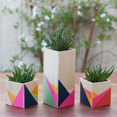 Tired of your boring room decor? Add some spunk into your room with these elegant wooden centrepieces!