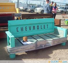 Tailgate Bench too cute! I know someone handy enough to make it and he also has a tailgate. I'd probably have to find my own tailgate though. Welding Projects, Diy Projects To Try, Home Projects, Welding Ideas, Blacksmith Projects, Auction Projects, Do It Yourself Furniture, Diy Furniture, Automotive Furniture