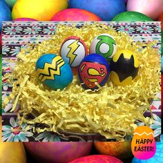 Easter eggs (justice ligue; superheroes). Easter Egg Crafts, Easter Eggs, Confetti Eggs, Pokemon Eggs, Funny Eggs, Snow White Disney, Easter 2018, Craft Stalls, Egg Decorating