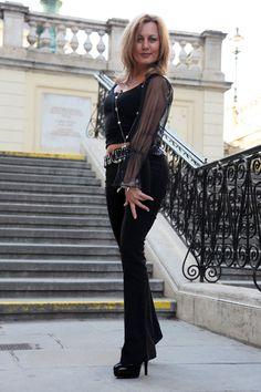Reife gekleidete Frauen