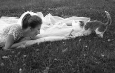 Including cat in wedding photos. no one ever uses their cat- just their dog such a cute idea ;)