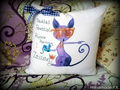 Handmade pillow, very colorful and very soft. Mr. Cat with pearls!