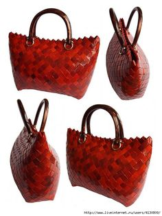 Handbags from magazines How to make beautiful bags and purses in the art of weaving strips of different materials. Candy Wrapper Purse, Candy Wrappers, Candy Bags, Handmade Handbags, Handmade Bags, Paper Purse, Plastic Bottle Crafts, Paper Weaving, Luxury Purses