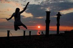 Awesome - Sunset #Slackline Girl - What do you think?