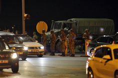 Militares perpetran un golpe de Estado en Turquía y dejan decenas de muertos y heridos de la población civil :http://www.malagaes.com/nacional/internacional/militares-perpetran-un-golpe-de-estado-en-turquia-y-dejan-decenas-de-muertos-y-heridos-de-la-poblacion-civil/