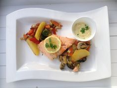 Lachs vom Blech, ein schönes Rezept aus der Kategorie Gemüse. Bewertungen: 100. Durchschnitt: Ø 4,4.