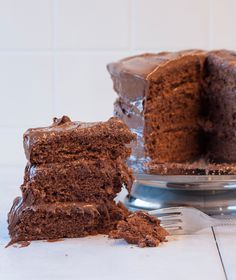 I'm Making: Chocolate Cake · Hash Brown Party · Disqus Sweets Recipes, Fun Desserts, Baking Recipes, Cake Recipes, Greek Sweets, Greek Dishes, Cake Bars, How To Make Chocolate, Cakes And More