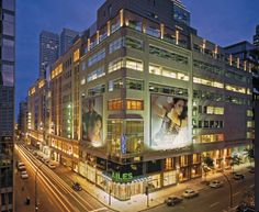 Staying at Hotel Le Roberval to shop in Montreal? Leave plenty of suitcase room, as the city's finest shops and stores just steps away! Montreal Things To Do, Canada, Times Square, Places To Visit, Relax, Mansions, House Styles, City, Travel