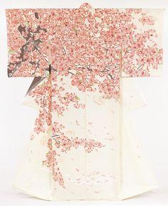 Wanted : un sublime kimono ! Motif Kimono, Kimono Design, Kimono Pattern, Kimono Fabric, Kimono Dress, Silk Kimono, Japanese Textiles, Japanese Prints, Japanese Art