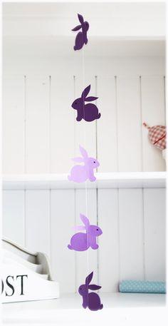 Ghirlanda verticale con coniglietti viola