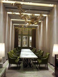 LUXURY DINING ROOM | modern dining table, green armchairs and moder lighting set ther perfect luxury decor| http://bocadolobo.com/ #diningroomdecorideas  #moderndiningrooms