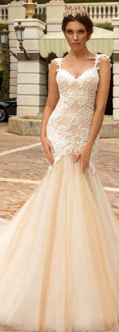 Eye-catching Tulle & Satin V-Neck Mermaid Wedding Dresses With Beaded Lace Appliques