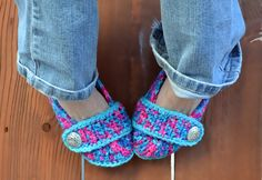 Hey, I found this really awesome Etsy listing at https://www.etsy.com/listing/185496533/crochet-slippers-booties-shoes-socks