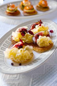Villeroy & Boch La Classica Contura Fruit Salad, Waffles, French Toast, Dining, Breakfast, Winter Wonderland, Food, Morning Coffee, Fruit Salads