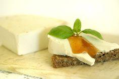 Of course, most homemade vegan cheeses — like this brie — will require you to soak and blend nuts. 16 Reasons Every Vegan Should Own A Blender Vegan Cheese Recipes, Vegan Foods, Vegan Snacks, Vegan Dishes, Raw Food Recipes, Cooking Recipes, Vegan Lunches, Vegan Cru, Raw Vegan