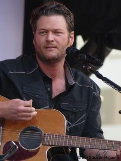 Video: Blake Shelton on Tonight Show Starring Jimmy Fallon 'Gonna' Performance #FallonTonight