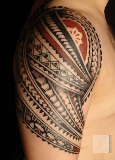Red-Black Polynesian Tattoos On Right Shoulder