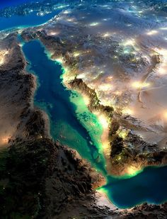 Magnificent NASA pictures of Earth from space (with post-prod work from Anton Balazh) Somalie Mer rouge, Arabie Saoudite Earth And Space, Beautiful World, Beautiful Places, Beautiful Beautiful, Earth At Night, The Meta Picture, Jolie Photo, Red Sea, Aerial Photography