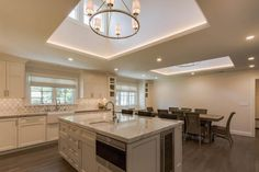We present our guide to the 25 Best Kitchen Lighting Ideas from clean cool LED lighting to industrial pendants and everything in between! Kitchen Lighting Layout, Best Kitchen Lighting, Cool Lighting, Lighting Ideas, Contemporary Kitchen Island, Kitchen Island Chandelier, Smart Home, Cool Kitchens, Blog