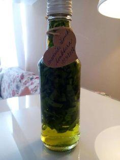Tinktura (kapky) z medvědího česneku - recept - Bylinkovo.cz Korn, Pickles, Cucumber, Vodka, Mason Jars, Pickle, Canning Jars, Pickling, Cauliflower