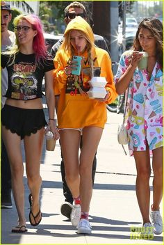 bella thorne grabs lunch with friends in la02