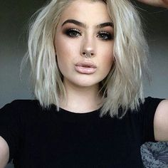 ass round Short blonde hair