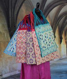 Hand Woven Hobo Bags 5 Colors Mayan Chiapas Mexico Folk Art Larrainzar Beach Bag #Handmade #Hobo
