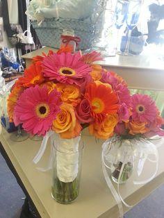 hot pink and orange Flowergirls Weddings 58th & Lewis Tulsa, Ok 918-949-1553 www.flowergirlsoftulsa.com