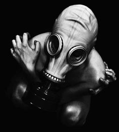 Image de dark, black and white, and gas mask