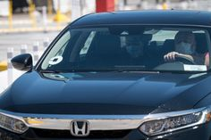 Uber Cuts Jobs, Says CEO Waives Salary Amid Coronavirus Pandemic Usa Today News, Uber Ride, Sharing Economy, Go To New York, Forced Labor, Wall Street Journal, Public Transport, The Guardian, Selfie