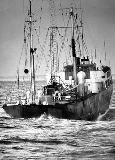RNI - during a storm in 1972 Radios, Free Radio, Old Time Radio, Short Waves, Tall Ships, Sailing Ships, The Past, Explore, World
